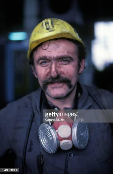 Portrait d'un mineur dans une mine de charbon à Katowice en 1985 Pologne