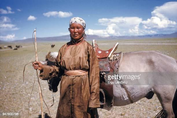 Portrait d'une bergère en Mongolie