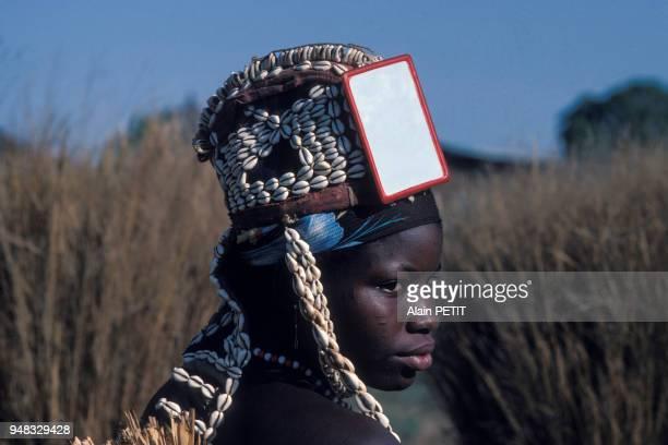 Portrait d'une jeune femme Sénoufo à Boundiali, en janvier 1986, Côte d?Ivoire.