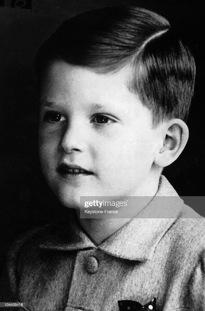 Portrait in 1943 of King SIMEON II, aged 6. The Czar of Bulgaria from 1943 to 1946, he was exiled in 1946 after the abolition of the monarchy and the rise of communism.