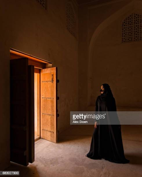 portrait in jabreen castle - beautiful dominant women stock pictures, royalty-free photos & images
