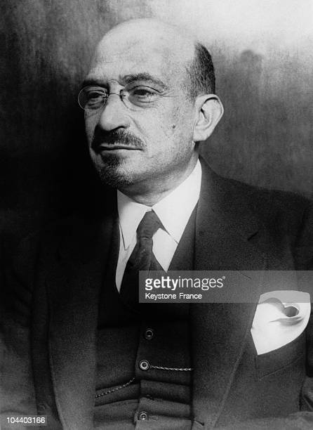 Portrait in the 1930's or 1940's of Chaïm WEIZMANN , an Israeli chemist and politician. Head of the World Zionist Organisation, he was the first to...
