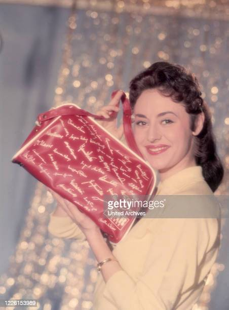 Portrait mit Handtasche, 50er Jahre.