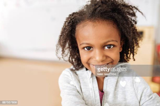 portrait of 5 years old girl - 4 5 years stock pictures, royalty-free photos & images