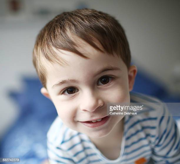 portrait of a 3 years old boy - 2 3 years stock pictures, royalty-free photos & images