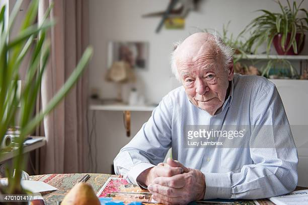 portrait of a 93-year-old man at home - 80 89 years stock pictures, royalty-free photos & images