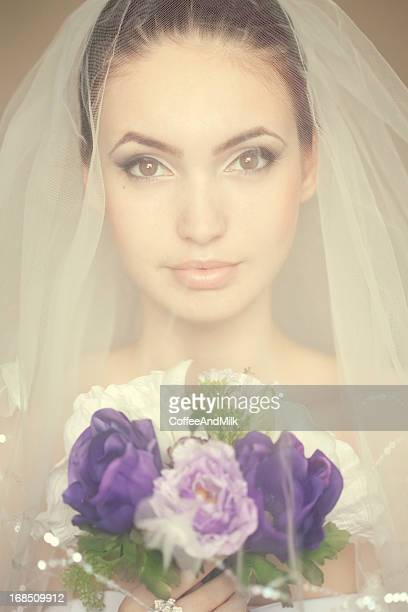 ポートレートを着て、美しい花嫁ヴェイユ花