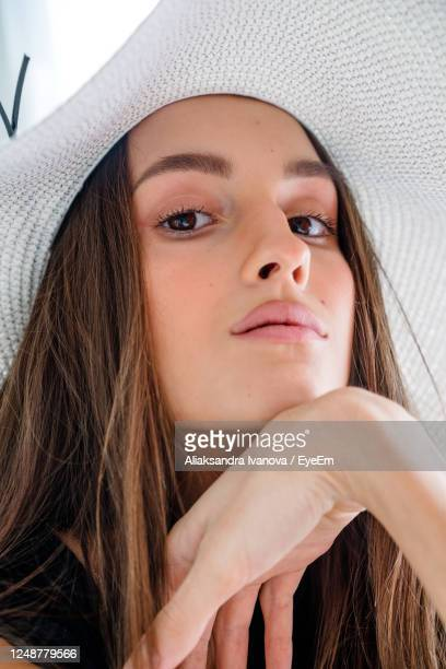 portrait of a beautiful young woman - photo shoot stock pictures, royalty-free photos & images