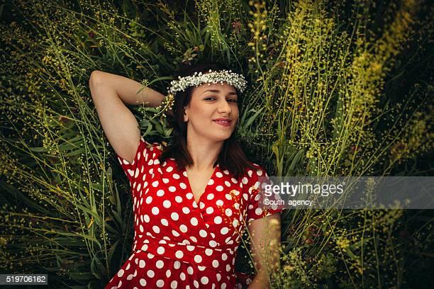portrait of a beautiful young woman - flerfärgad klänning bildbanksfoton och bilder