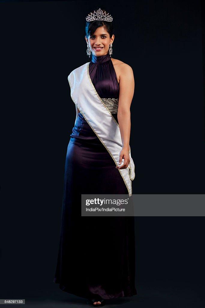 Portrait of a beauty pageant winner : Stock Photo