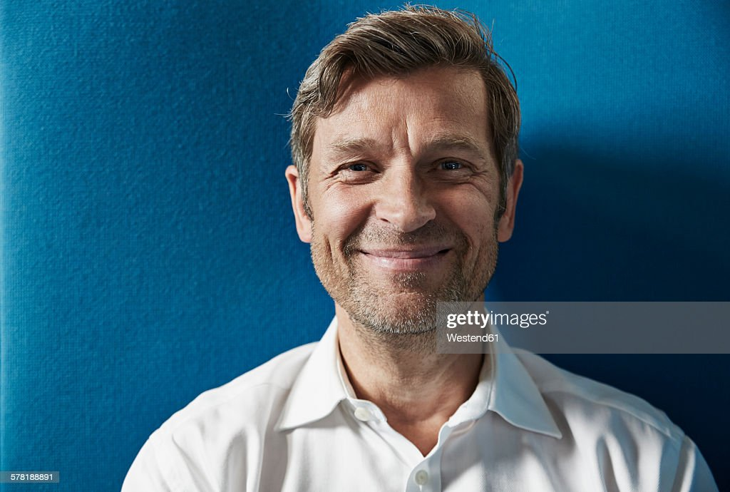 Portrait of a confident businessman : Foto de stock