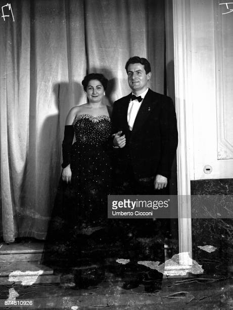 Portrait of a couple attending the Catholic Press party 1950