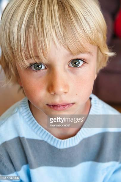 """retrato de linda joven niño y graves. - """"martine doucet"""" or martinedoucet fotografías e imágenes de stock"""