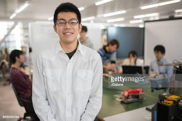 工学部の学生の肖像画