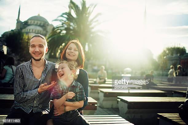 家族のポートレート、イスタンブールで - イスタンブール県 ストックフォトと画像