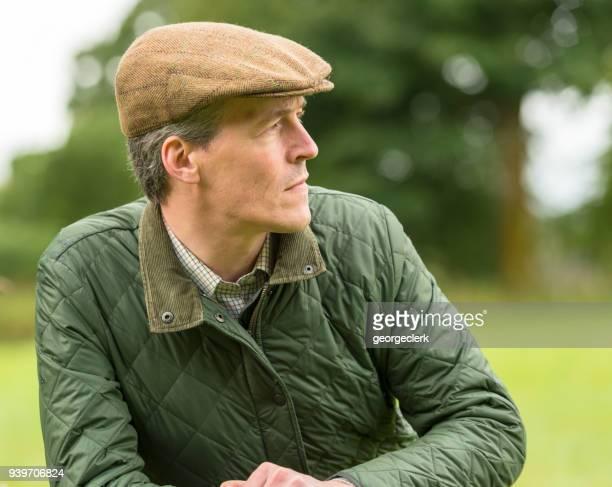 retrato de um agricultor - boina masculina - fotografias e filmes do acervo