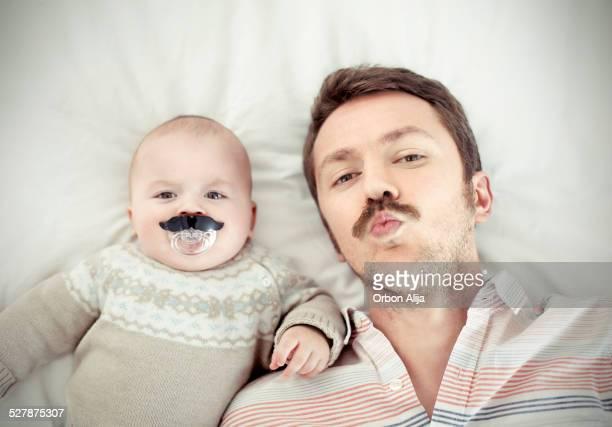 Porträt von einem Vater mit seinem Sohn
