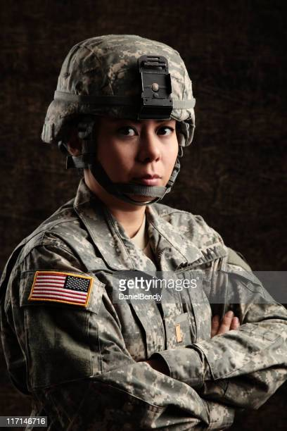 portrait of a female us military soldier - lieutenant stock pictures, royalty-free photos & images