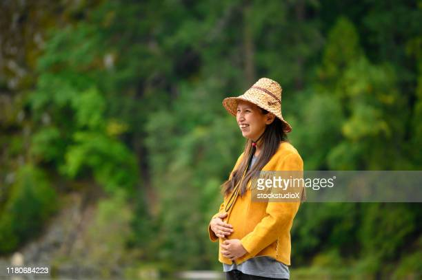 portrait of a first nations woman - first nations stock pictures, royalty-free photos & images