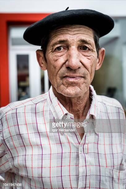 ガウチョ、ブエノスアイレス州の肖像画 - ベレー帽 ストックフォトと画像