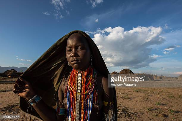 Portrait of a girl of the tribe Erbore with the dark veil on his head. The Arbore tribe is a small tribe that lives in the southwest region of the...