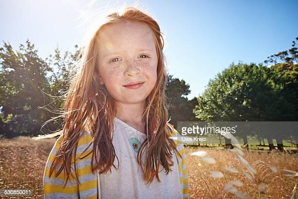 portrait of a girl, smiling - 10 11 años fotografías e imágenes de stock