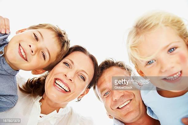 Portrait d'une famille heureuse