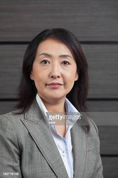 日本のビジネスウーマンの肖像画