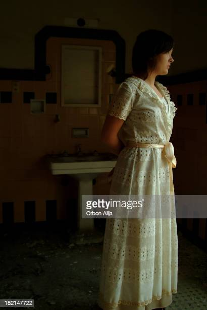 retrato de uma mulher - estilo século dezenove - fotografias e filmes do acervo