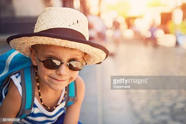 Portrait de garçon un peu de tourisme