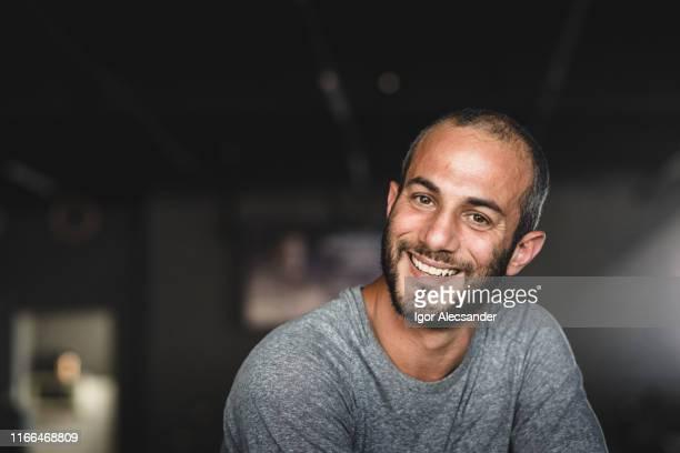 retrato de um atleta masculino na ginástica - povo brasileiro - fotografias e filmes do acervo