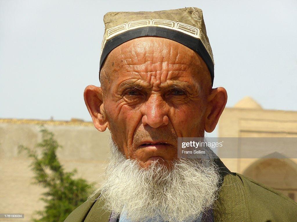 A man from Bukhara, Uzbekistan : Nieuwsfoto's
