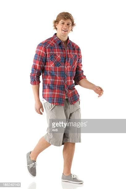 Retrato de un hombre caminando