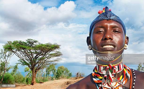Porträt eines Mannes an der Maasai-Masai Mara