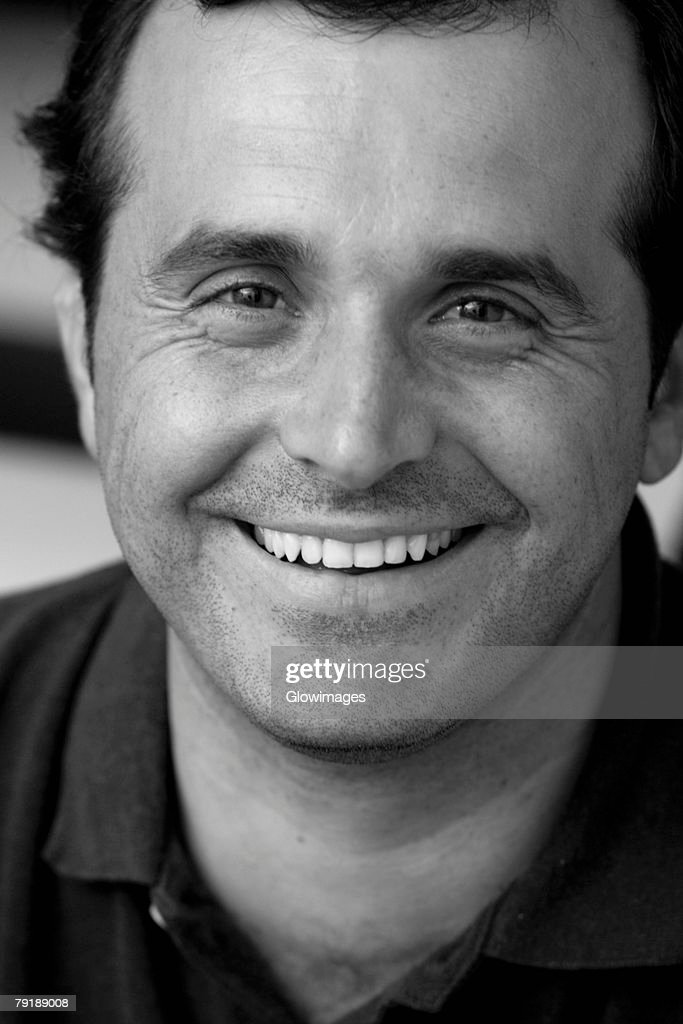 Portrait of a mature man smiling : Foto de stock