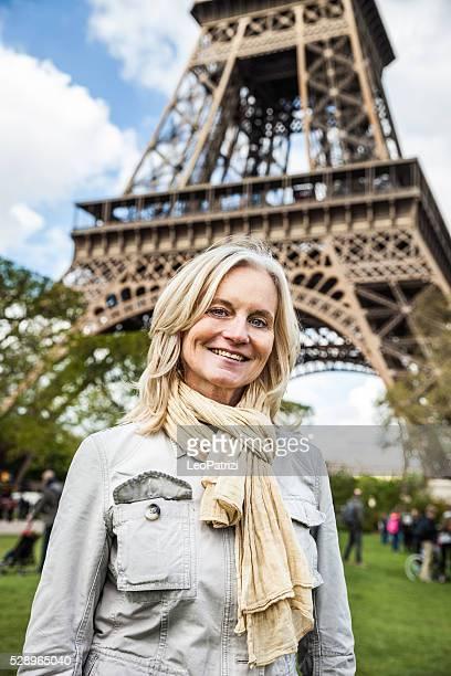 Porträt von einer Reife Frau lächelnd und entspannt