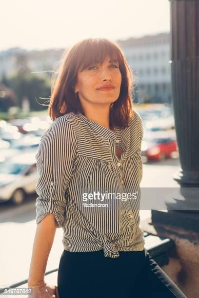 portrait of a middle-aged woman - 35 39 anni foto e immagini stock