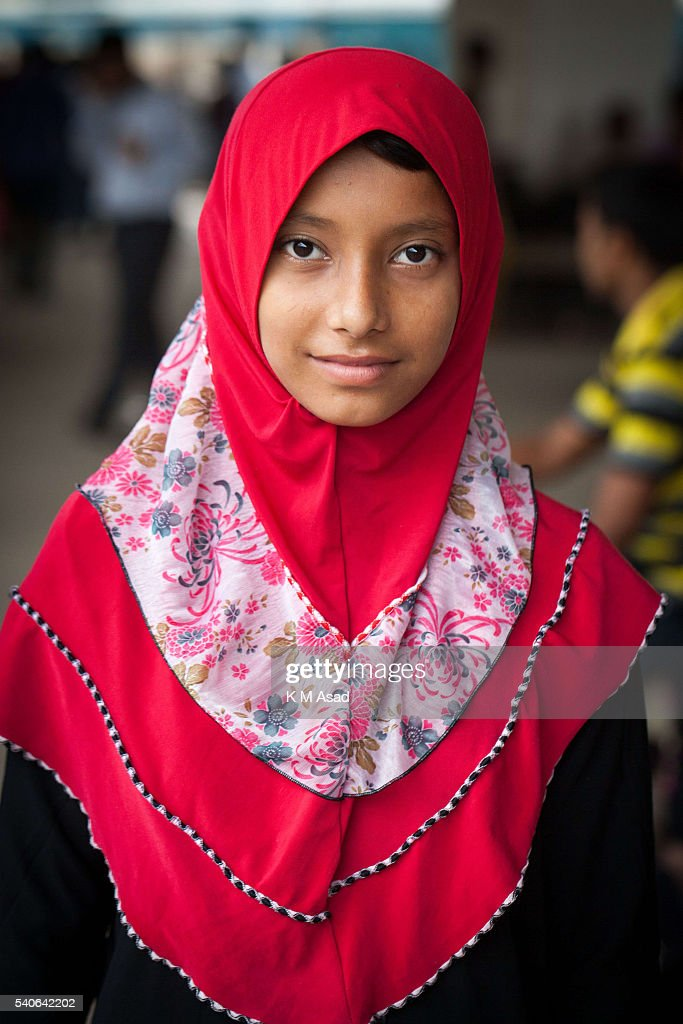Portrait Of A Muslim Girl When She Is Waiting To Travel To Her News Photo - Getty -7173