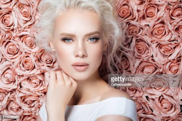 Porträt einer schönen Frau suchen