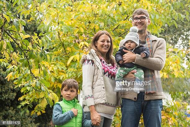 nuclear family ストックフォトと画像 getty images