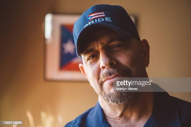 retrato de un hombre orgulloso de puerto rico - puerto rico fotografías e imágenes de stock