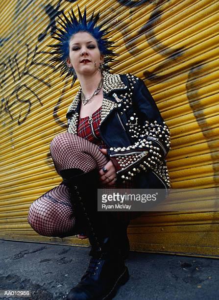 portrait of a punk woman - piercing stock-fotos und bilder