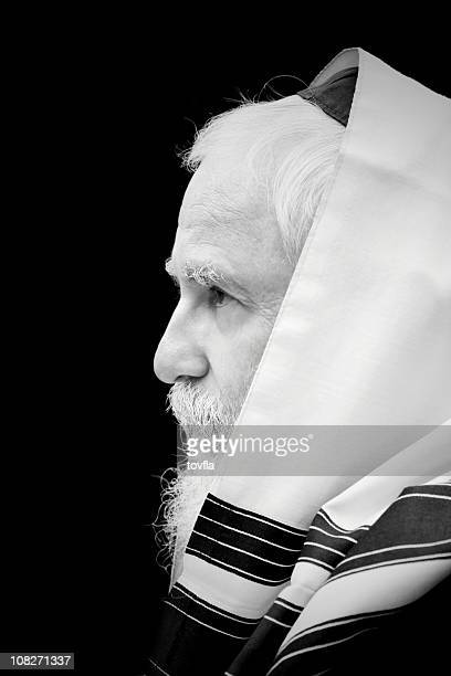 portrait of a rabbi - jewish prayer shawl stock pictures, royalty-free photos & images