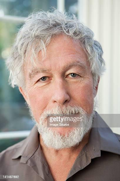 た老人男性のポートレート