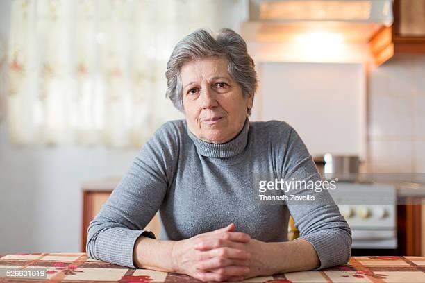 portrait of a senior woman - 65 69 anos - fotografias e filmes do acervo