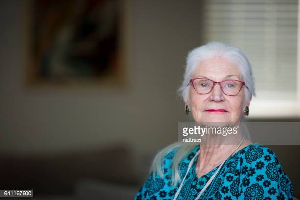 portrait of a senior woman - 80 89 years stock pictures, royalty-free photos & images