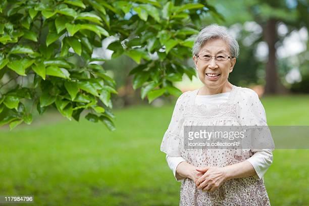 portrait of a senior woman , tokyo prefecture, honshu, japan - 80代 ストックフォトと画像