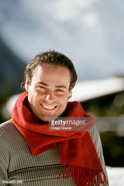 portrait of a smiling man - pañuelo rojo fotografías e imágenes de stock