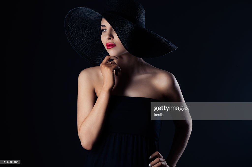 portrait of a woman in a hat : Foto de stock
