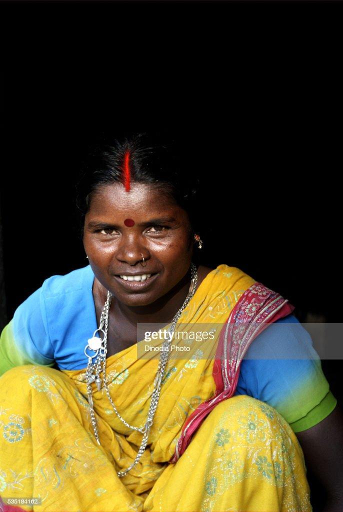 portrait of a woman in kishanganj bihar india ストックフォト getty